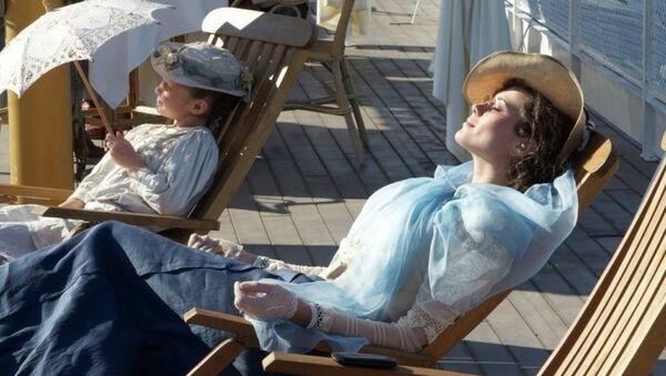 Nikina Mihalkov'un 2014 yapımı 'Sunstroke' (Güneş Çarpması) filmi - Sputnik Türkiye