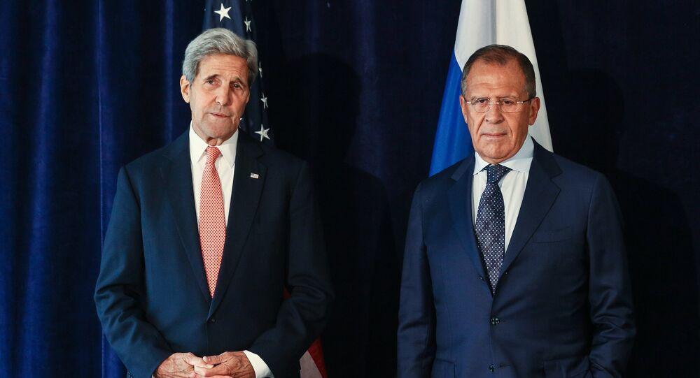 Sergey Lavrov ve  John Kerry