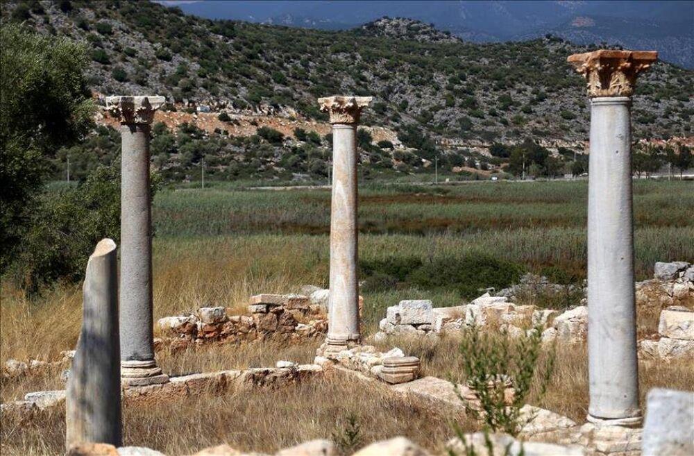 Myra-Andriake kazılarında mozaikli kilise bulundu