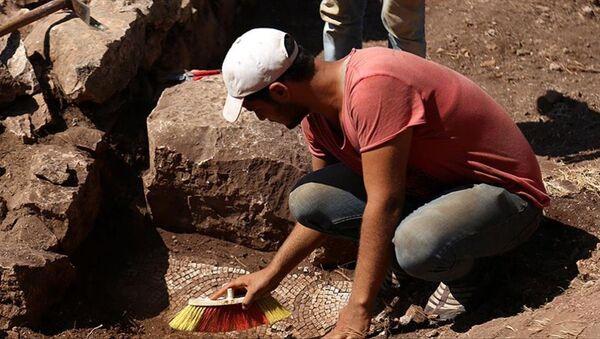 Myra-Andriake kazılarında mozaikli kilise bulundu - Sputnik Türkiye