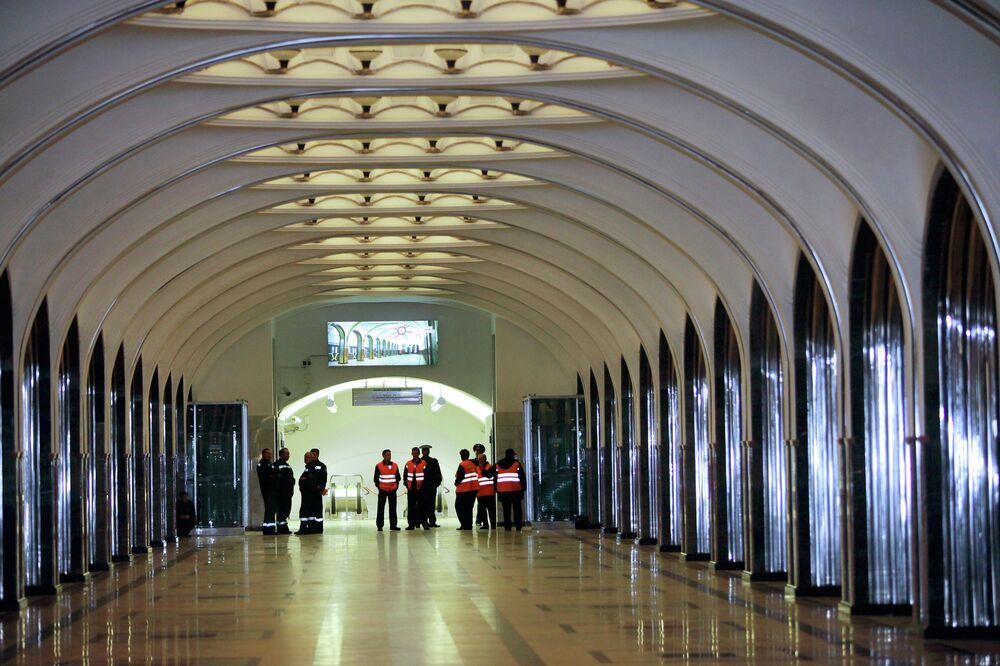 Mayakovskaya metro istasyonu.