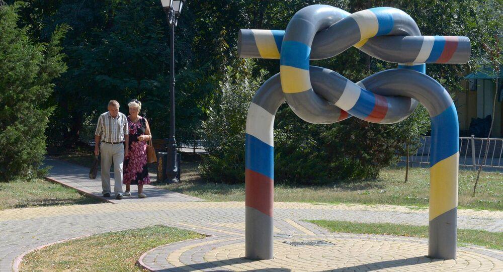 Kerç'teki Rusya-Ukrayna Dostluğu Anıtı.