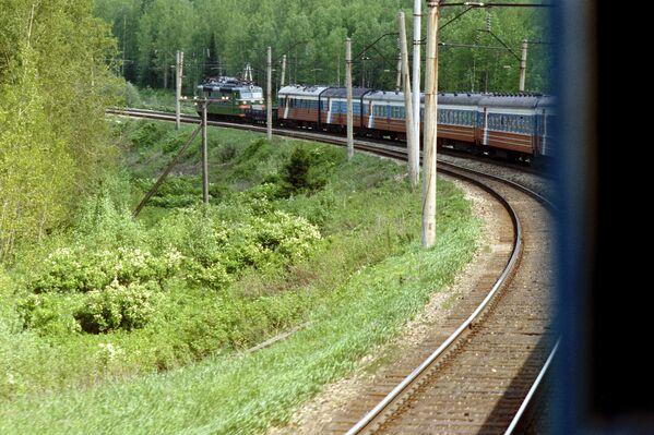 İrkutsk bölgesinde trans sibirya demiryolu. - Sputnik Türkiye
