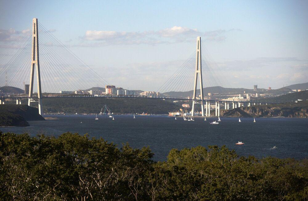 Vladivostok'taki Russki köprüsü