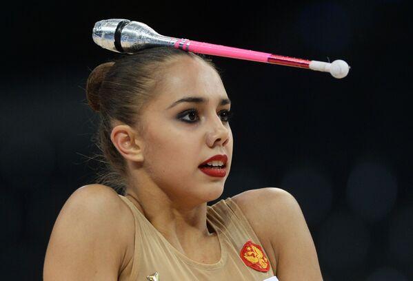 Rus jimnastikçi Margarita Mamun, Stuttgart'ta düzenlenen Ritmik Jimnastik Dünya Şampiyonası'nda. - Sputnik Türkiye