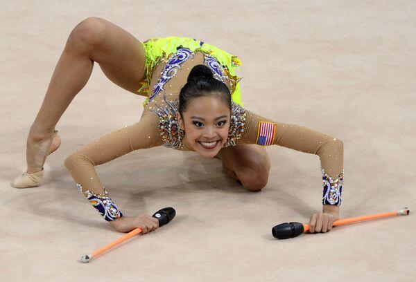 ABD'li jimnastikçi Laura Zeng, Stuttgart'ta düzenlenen Ritmik Jimnastik Dünya Şampiyonası'nda. - Sputnik Türkiye