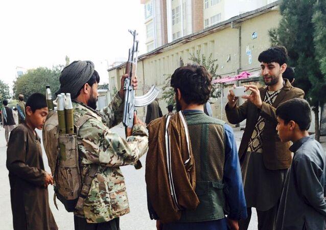 Kunduz - Taliban militanları