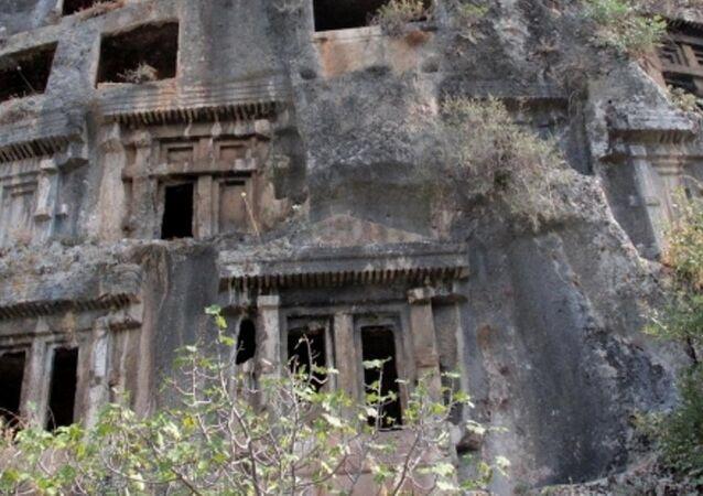 Fethiye'deki Amintas Kaya Mezarları