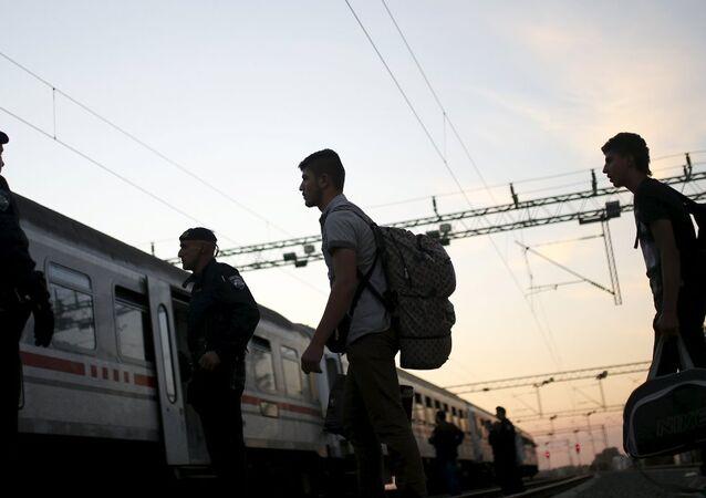 sığınmacı, mülteci, tren