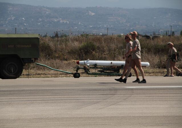 Lazkiye'deki Hmeimim hava üssündeki X-25 füzesi