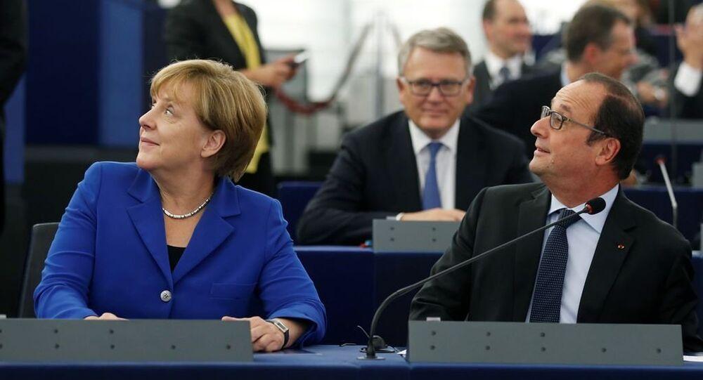 Angela Merkel ve François Hollande Avrupa Parlamentosu'nda