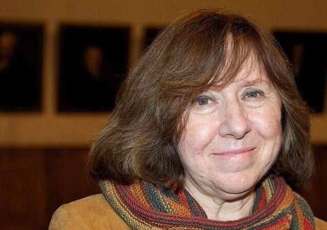 Nobel Edebiyat Ödülü Svetlana Aleksiyeviç