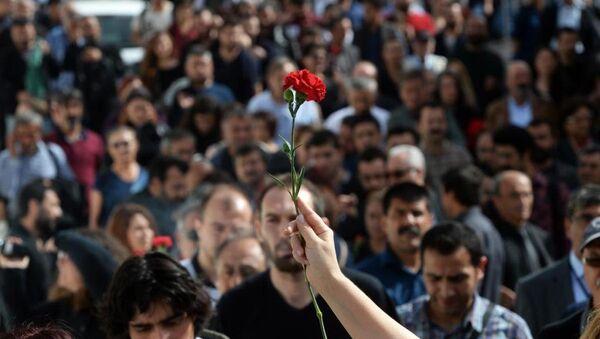 Ankara'daki saldırı protesto ediliyor - Sputnik Türkiye