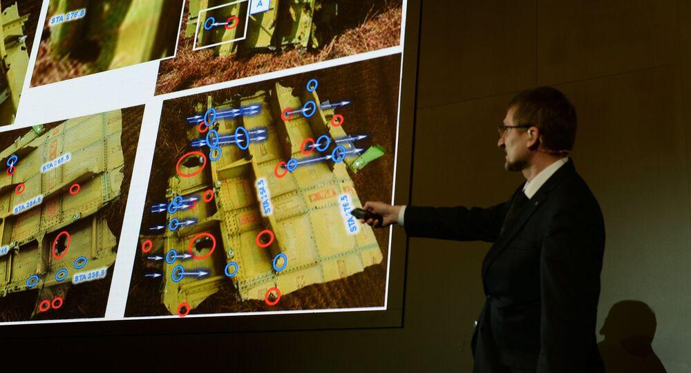 Malezya Havayolları'nın MH17 sefer sayılı uçağıyla ilgili sonuçların paylaşıldığı basın toplantısı