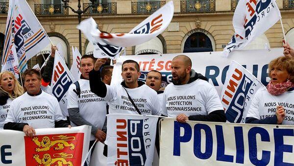 Paris polis protesto - Sputnik Türkiye
