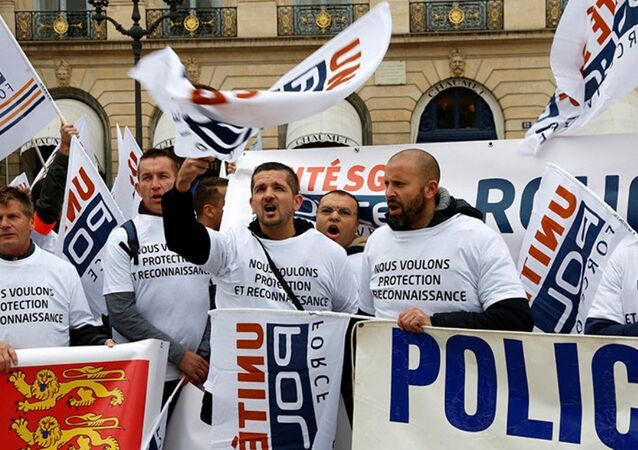 Paris polis protesto