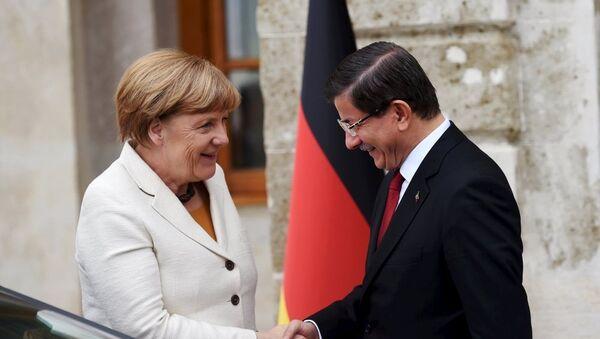 Angela Merkel - Ahmet Davutoğlu - Sputnik Türkiye
