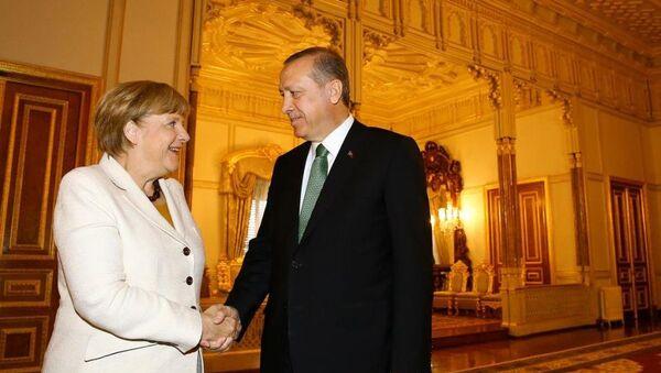 Erdoğan ve Merkel, Yıldız Sarayı'ndaki Mabeyn Köşkü'nde görüştü. - Sputnik Türkiye