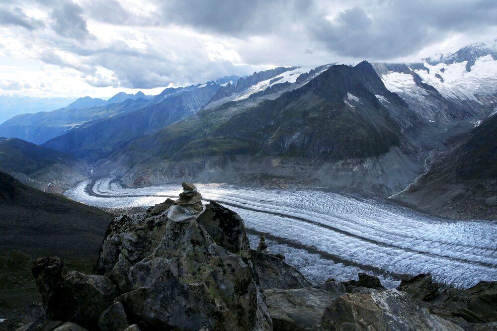 Alpler'deki Aletsch Buzulu