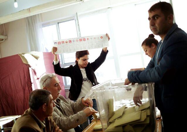 Sandıkların 16.00'da kapandığı Diyarbakır'da oy sayım işlemine geçildi
