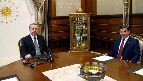 Recep Tayyip Erdoğan, Ahmet Davutoğlu'nu kabul etti. - Sputnik Türkiye