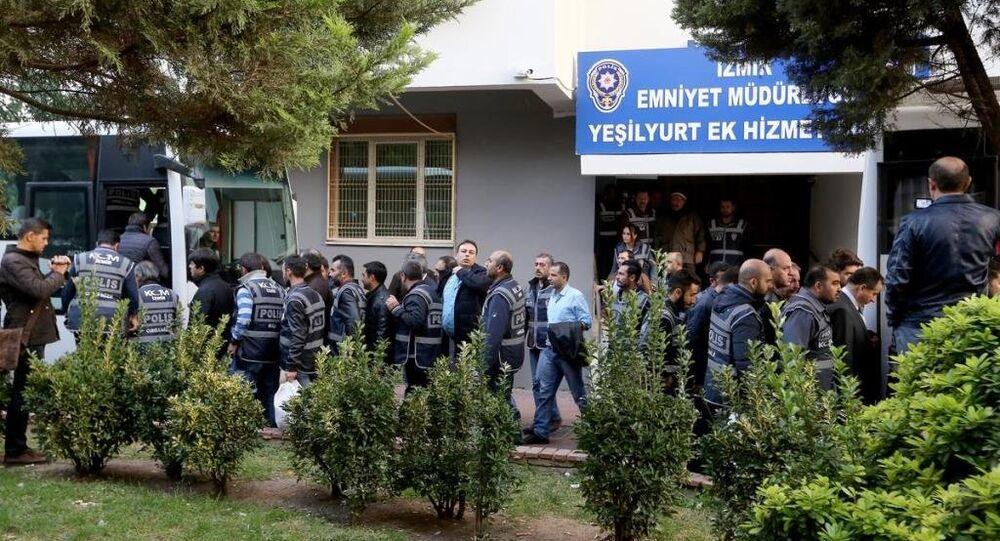 İzmir merkezli 'Paralel Devlet Yapılanması' operasyonu