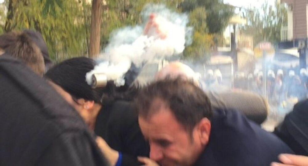 Gaz fişeğinin Figen Yüksekdağ'ın kafasına isabet etme anı kamerada.