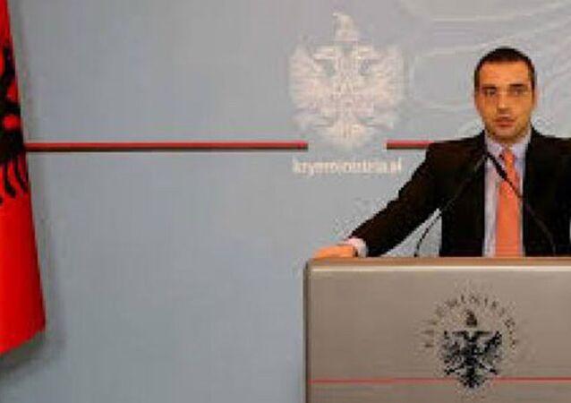 Arnavutluk İçişleri Bakanı Sami Tahiri