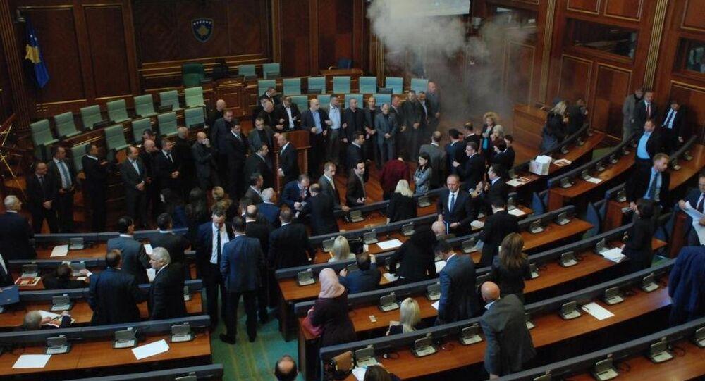 Kosova Meclisi'nde gerginlik