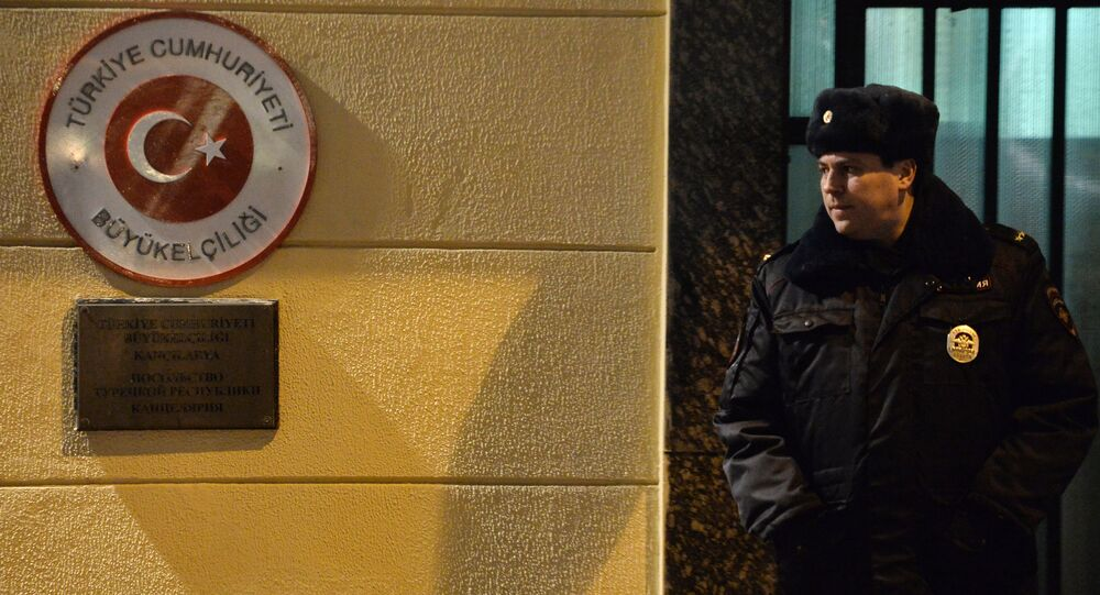 Türkiye'nin Moskova Büyükelçiliği çevresinde güvenlik önlemleri arttırıldı.