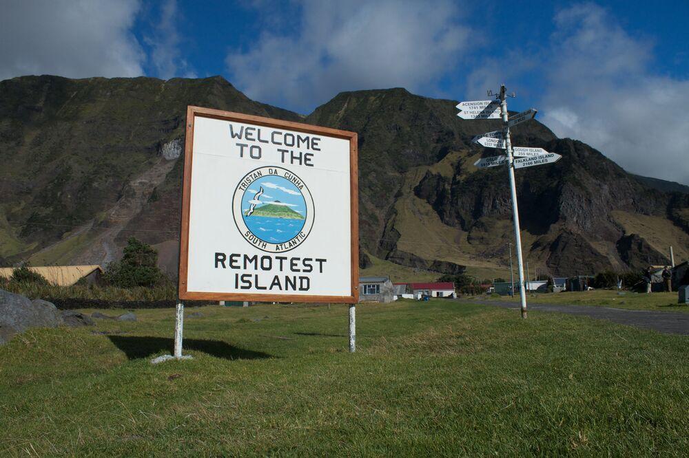 Dünyanın en ıssız adası