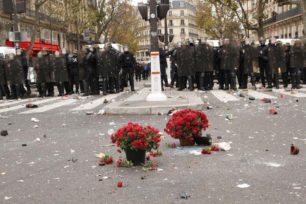 Fransa'da İklim Zirvesi protestosu