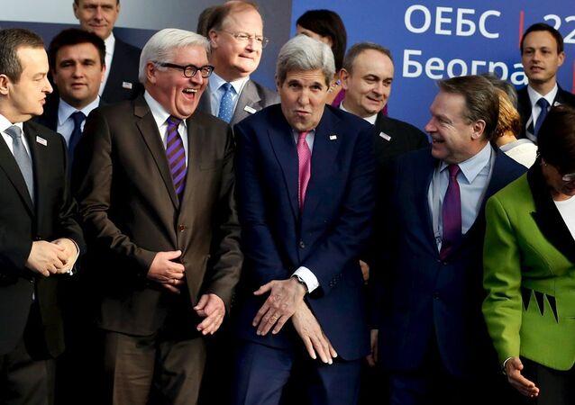 Sırbistan Dışişleri Bakanı İvica Dacic- Frank-Walter Steinmeier - John Kerry - AGİT Parlamenter Asamblesi Başkanı Ilkka Kanerva