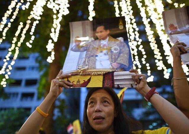 Tayland'ın kralı Bhumibol Adulyadej'in doğum günü