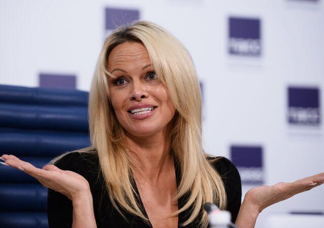 Pamela Anderson Moskova'da