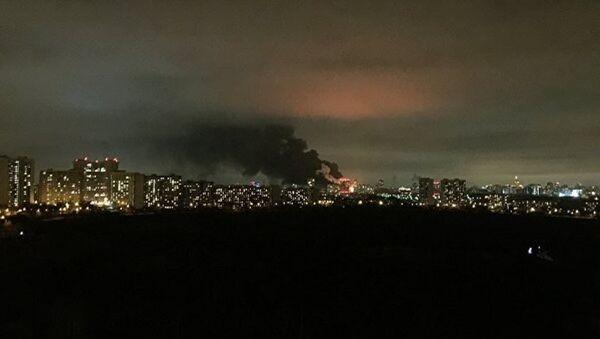 Moskova'da 15 bin metrekarelik fabrika yangını - Sputnik Türkiye