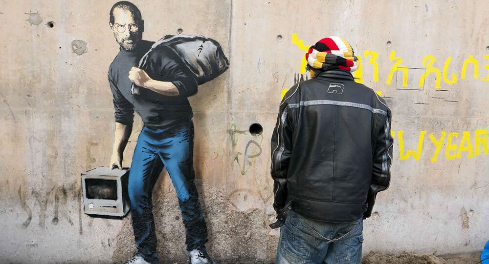 Banksy, 'Suriyeli göçmen' Steve Jobs'u çizdi