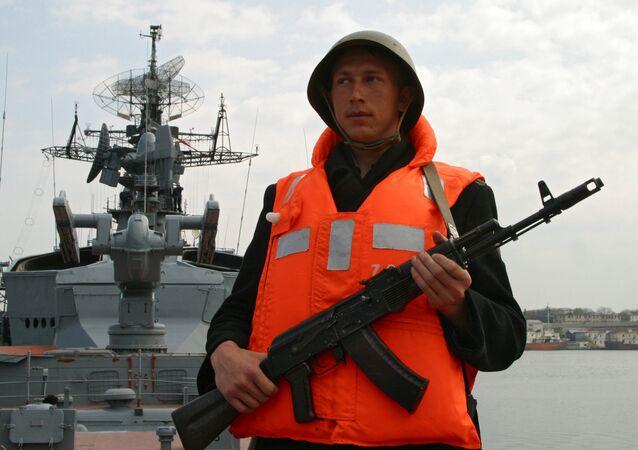 Rusya'nın Karadeniz donanmasında bir asker