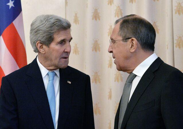 Kerry ile Lavrov