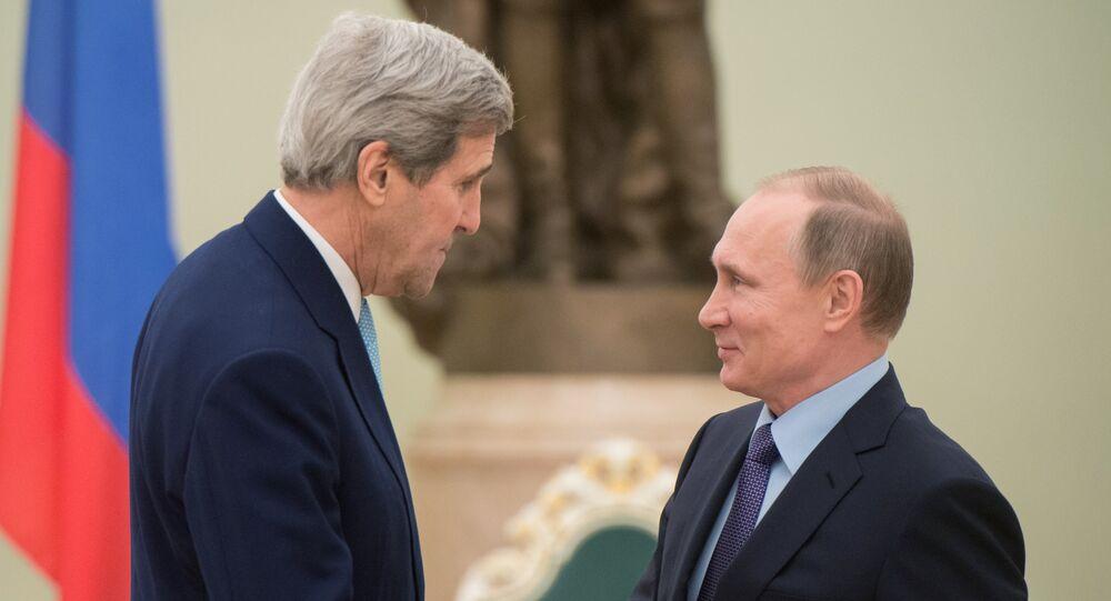Rusya Devlet Başkanı Vladimir Putin, Moskova'da ABD Dışişleri Bakanı John Kerry ile görüştü