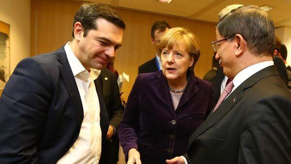 Başbakan Ahmet Davutoğlu - Almanya Başbakanı Angela Merkel - Yunanistan Başbakanı Aleksis Çipras - Sputnik Türkiye