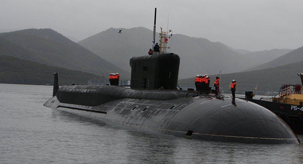 Rusya'nın yeni nükleer gücü 'İmparator 3. Aleksandr' denizaltısı suya indi