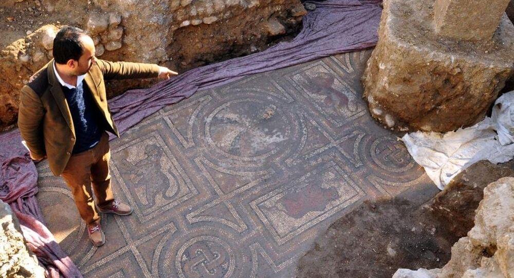 Osmaniye'de Roma dönemine ait mozaik bulundu