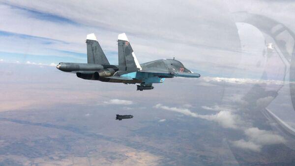 Rusya'nın Suriye'de hava operasyonu - Sputnik Türkiye