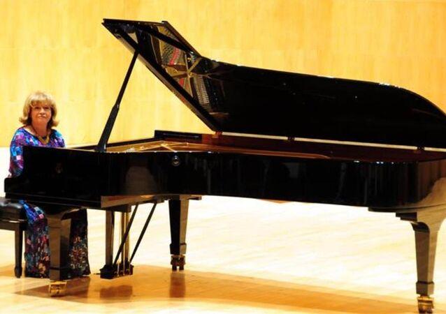 Dünyaca ünlü piyanist ve devlet sanatçısı İdil Biret