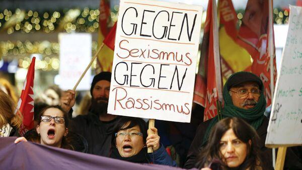 Köln'de taciz protestosu - Sputnik Türkiye