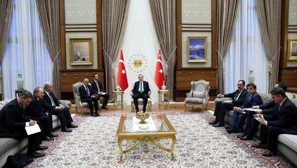 Cumhurbaşkanı Recep Tayyip Erdoğan, Cumhurbaşkanlığı Külliyesi'nde Microsoft'un Üst Düzey Yöneticisi (CEO) Satya Nadella'yı kabul etti. - Sputnik Türkiye