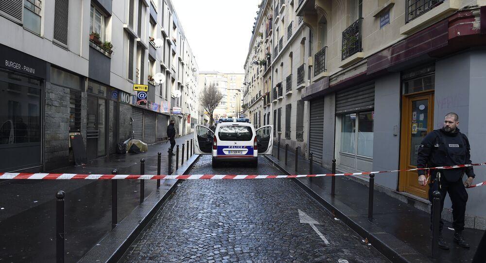 Fransa'nın 18. bölgesindeki bir polis merkezine saldırı girişiminde bulunan bir kişi öldürüldü.