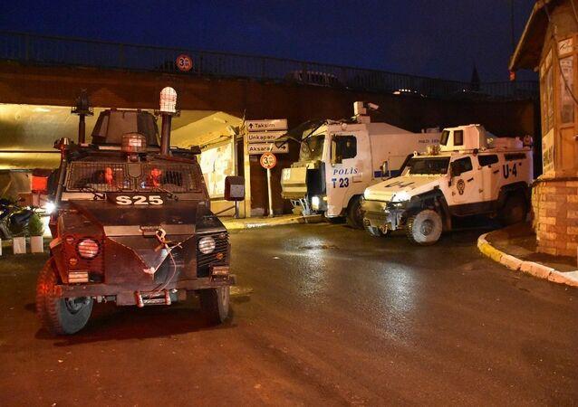 HDP Beyoğlu ilçe binasına operasyon