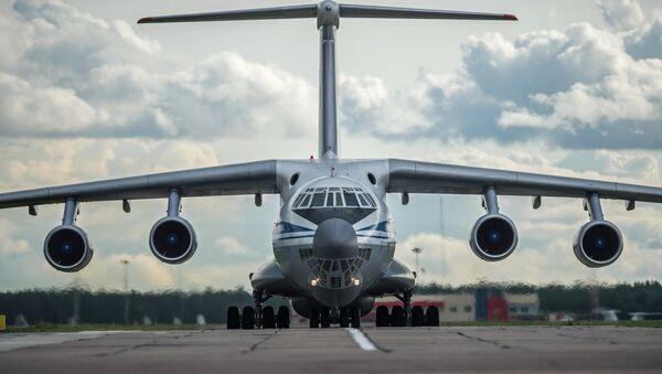 Il-76 askeri nakliye uçağı - Sputnik Türkiye